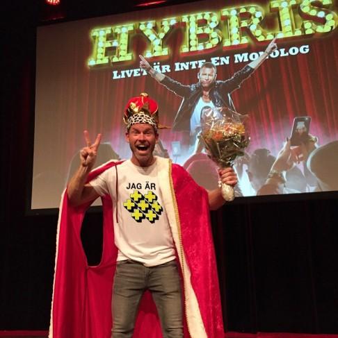 Toppbetyg och ALLA hyllar HYBRIS efter premiären!